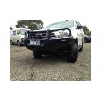 Pare choc IRONMAN avant COMMERCIAL Toyota Hilux Revo 2015+
